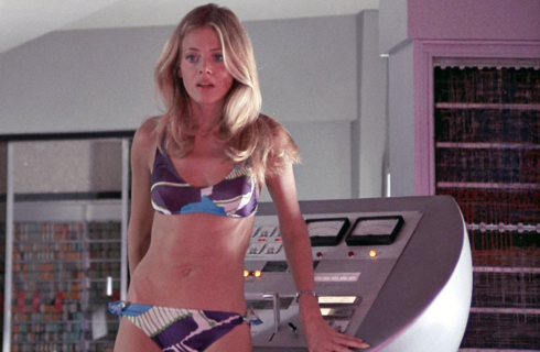britt-ekland-man-golden-gun